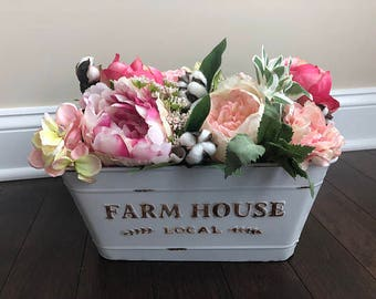 Farmhouse Table Decor, Spring Table Decor, Spring Floral Arrangement, Farmhouse Decor Rustic Country, Floral Table, Farmhouse Decor