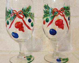 Christmas Cheer - Wine Glasses