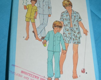 Simplicity 9509 Boys Pajamas in Two Lengths  Sewing Pattern - UNCUT  - Size 6 & 8