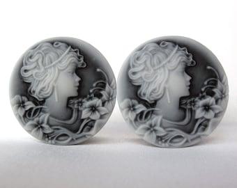"Pair of Feminine Cameo Plugs - Black & White - Girly Plugs - Girly Gauges - Handmade - 1"" - 25mm, 28mm, 30mm, 32mm"
