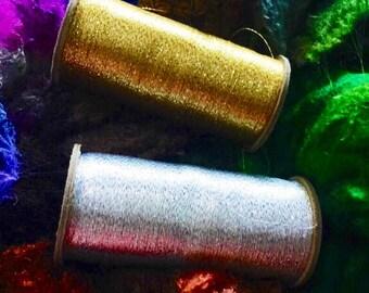 Metallic silver yarn spool silver :saorisantacruz