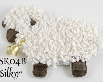 """TSKK04b - """"Silky"""" Sheep Hand-Embroidered Brooch/Ornament Kit and Pattern"""