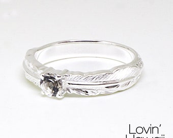 Hulu Silver Feather Ring with Crystal