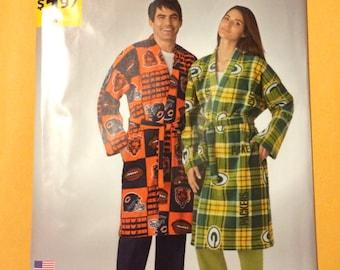Pattern Misses, Men's, Teen's Robe Pattern 1268 It's So Easy Simplicity Size XS-XL New Uncut Factory Fold
