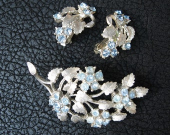 Vintage 1960s blue rhinestone brooch earring set, sky blue with silver leaves, excellent condition