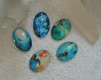 CABOCHONS OVALES MEDUSES 2.5 cm  en verre ovales océan,méduse et personnage lot de 5 unités pour pendentifs supports