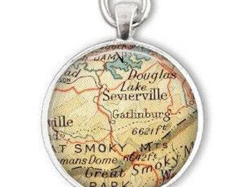 Gatlinburg tennessee, Sevierville Map Ornament, Gatlinburg gift, Personalized Ornaments, gift for him, custom sister gift, aunt gift