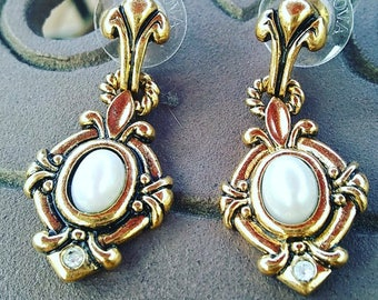 Vintage style with pearl in middle,Vintage earring
