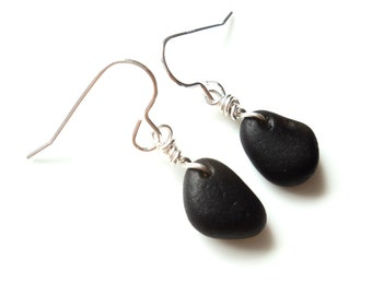 Seaham Sea Glass hook earrings of Black drops suspended from Sterling Silver hooks - E1790 - from Seaham,  UK
