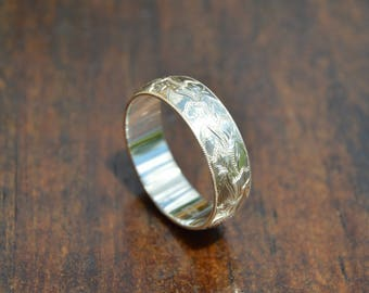 Hand Engraved Silver Brocade Ring    US Size 8    6mm