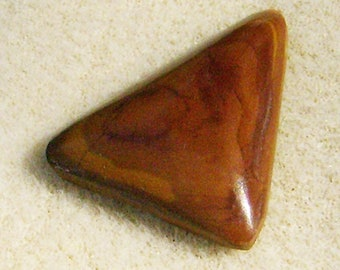 Exquisite Jasper Cabochon - Outstanding Red & Tan Triangle, Beautiful for Pendant or Bracelet by JewelryArtistry - GC612
