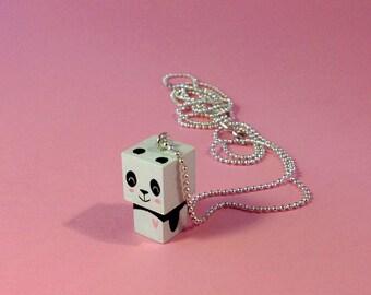 "Collier chaîne bille pendentif figurine cubique ""Panda coeur rose"""