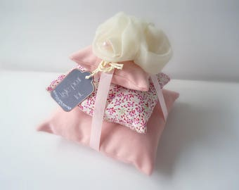 Delicately scented liberty cushions softener