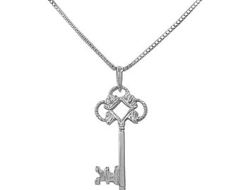 925 Sterling Silver Old Fashioned Key Necklace/Key Charm/Key to my Heart/Skeleton Key Necklace//Key Pendant/Old Fashioned Key/Minimalist Key