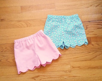 Scalloped shorts - fully lined - for baby toddler girl - CHOOSE your own fabric - ONE Pair - sizes 3 to 12 - summer shorts