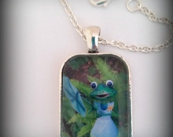 Frog Picture Pendant Necklace, Garden Art Jewelry, Green Frog