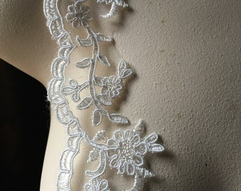 IVORY Scalloped Lace Trim for Bridal, Veils, Garments AL 7