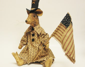 Primitive Americana Mouse, Handmade Mouse, Mouse Dolls, Primitive Dolls, Americana Decor, Handmade Mice, Mouse with Flag, Primitive Mouse