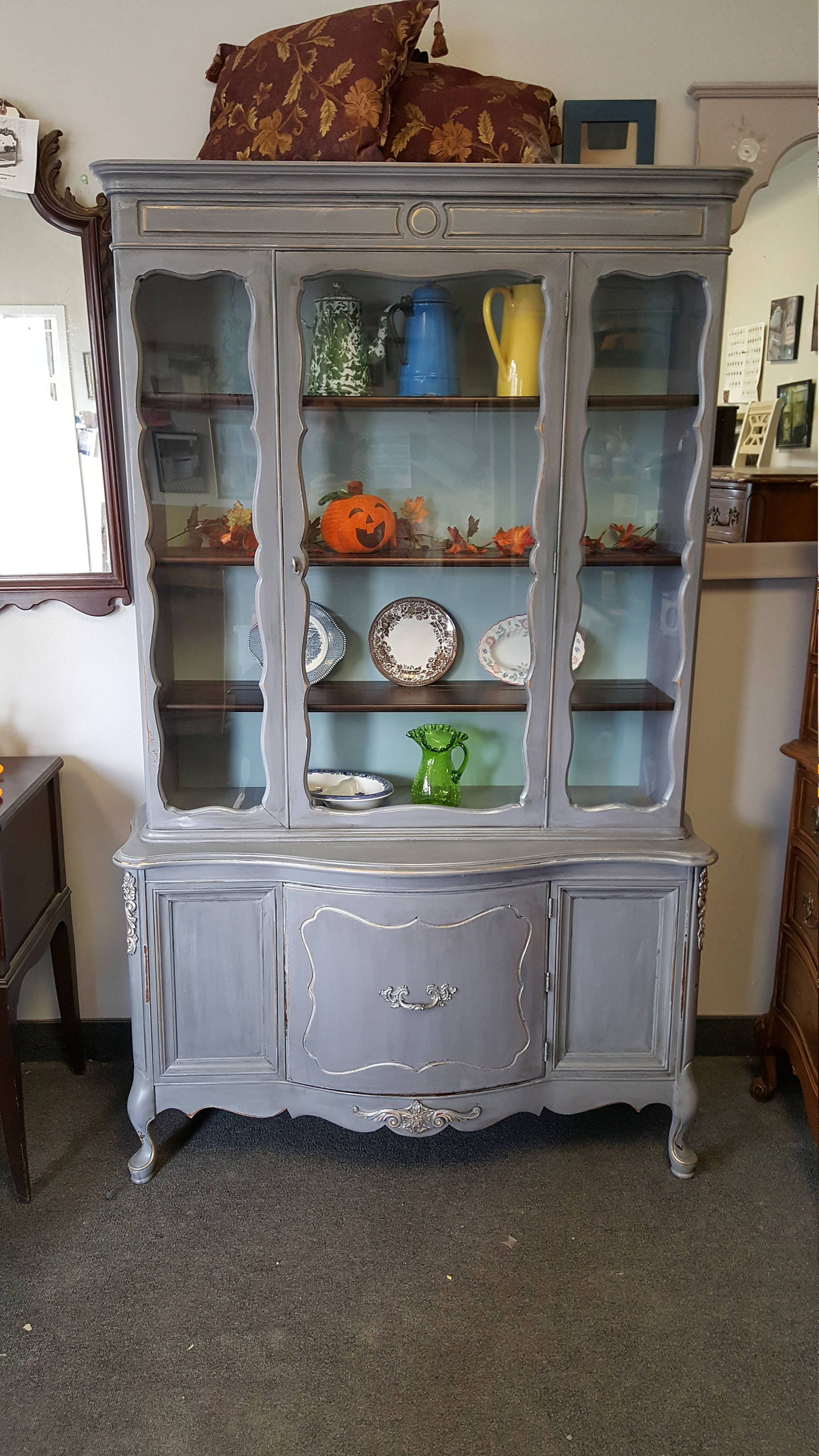 pick up only vintage shabby chic french provincial hutch