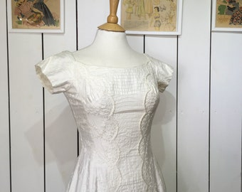 Original 1950's Darling White Cotton Day Dress - With Beautiful Embroidered and Scalloped Detailing