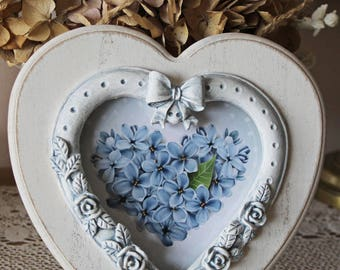 Frame heart, romantic, patinated to old, shabby chic, with his heart with blue hydrangeas