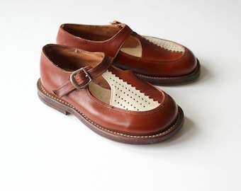 French vintage 40/50's / kids shoes / brown leather / new old stock / size EU 22 / US 6 / UK 5,5