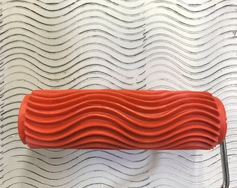 Wavy Horizontal Lines - Decorative Patterned Paint Roller