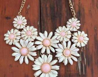 Daisy Necklace, Daisy Bib Necklace, Daisy Pendant Necklace