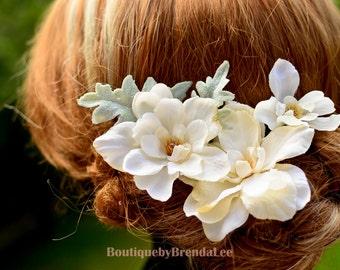 A set of 4 Floral U pins