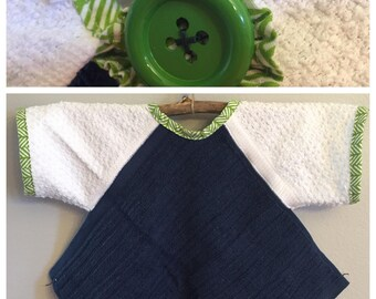 BL008  - FREE SHIPPING - Baby Bib with Sleeves, Toddler Bib with Sleeves, Button Clasp, Boy, Birthday, Navy, Green