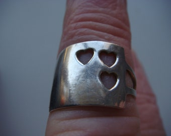 Sliver Ring with 3 Open Hearts