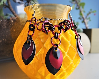 Red and Black Scalemail Set / Scalemail Necklace and Earrings / Chainmail / Byzantine Weave