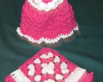 Crochet dish cloth & Soap Dress 12 oz. size, bright pink and white
