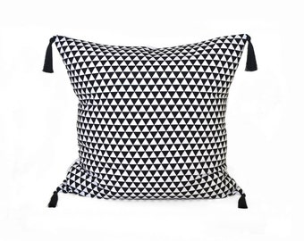 Black And White Pillow Cover. Black Triangle Decorative Pillow. Geometric Throw Pillow. Black And White Cushion with tassels.