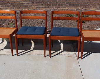 Set of 4 beautiful Danish solid teak chairs designed by Kai Kristiansen -- 301 Universe design