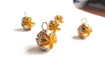 5 charm beads 'Bell' metal golden - yellow and white