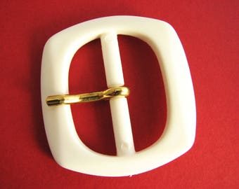 White belt buckle, plastic buckle with prong, for 35 mm or 50 mm belts, unused!!