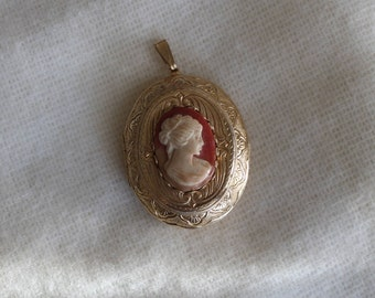 Vintage Cameo Locket, Victorian, Cameo Pendant, Lady, FREE DOMESTIC SHIPPING