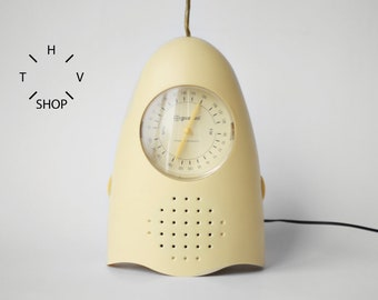 Vintage Gildo Radio FM by Guzzini / Portable Space Age Plastic Era / Battery operated radio / Beige yellow clock / made in Italy 70s