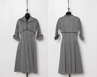 Vintage 1940s dress by Loma Leads