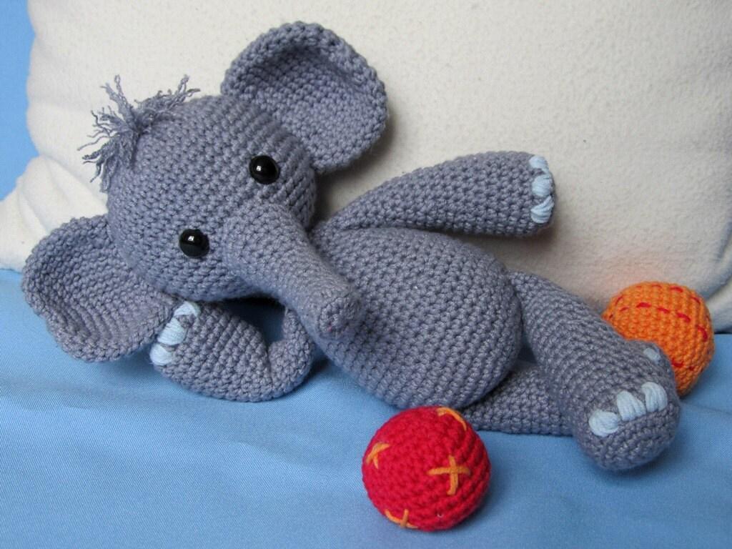 Playful elephant bert amigurumi crochet pattern pdf e book zoom dt1010fo