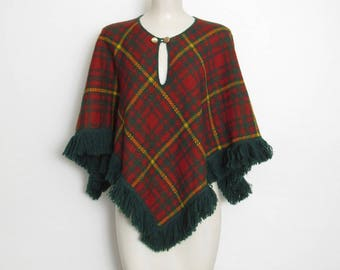 1970s JCPenney Fashions Poncho / Rust, Green & Yellow Plaid / Vintage 70s Knit Pullover Cape w/ Fringe