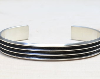 Modern Mens Silver Cuff Bracelet with Ultra Chic Grooves - Solid 925  BR656