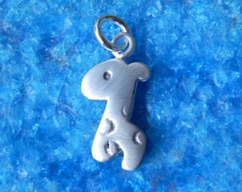 Giraffe sterling silver pendant