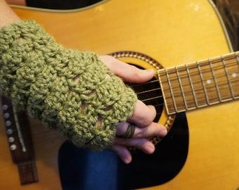SUPER EASY Green FANtastic Gloves