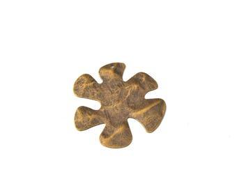 Flower pendant bronze hammered metal 37mm