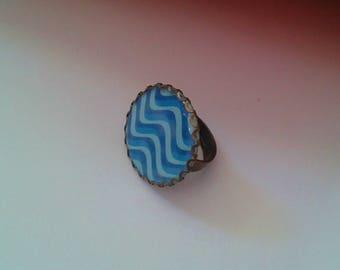 ring - cabochon - fancy ' pattern: Waves '