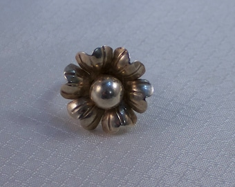 Silver Daisy Flower Ring