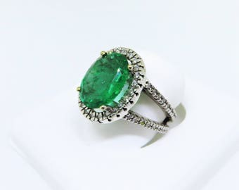 Vintage 14KW Large Oval Emerald & Diamond Halo Ring Size 7.5