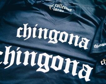 Chingona Old English Los Angeles Print V-Neck Graphic T-Shirt